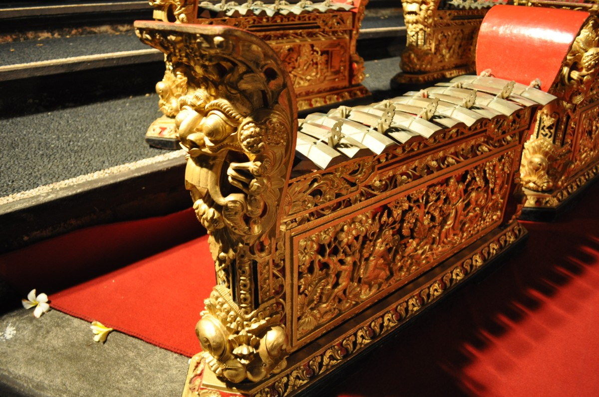 gamelan instrument