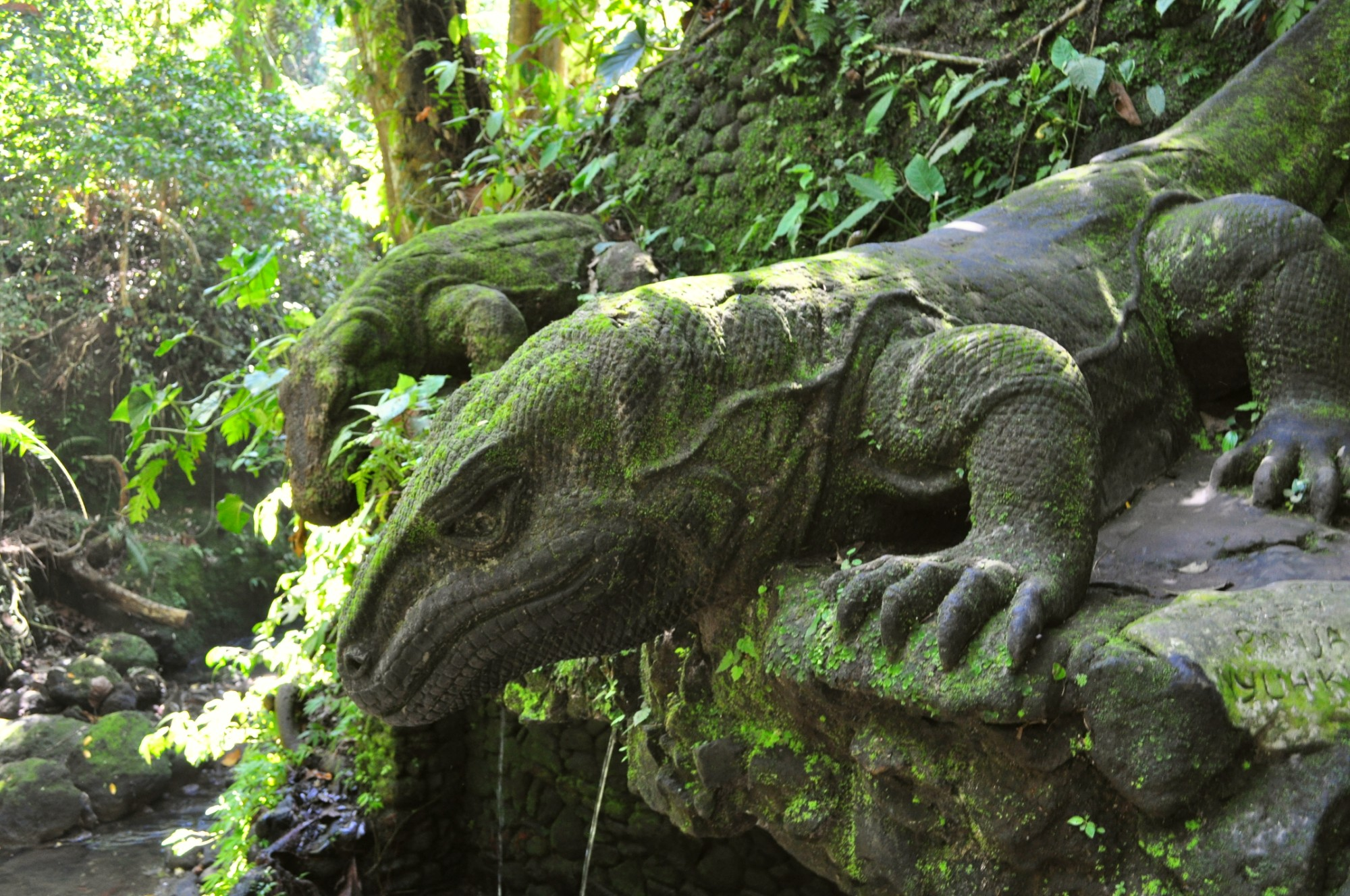 Statue of Komodo dragons in Ubud, Bali